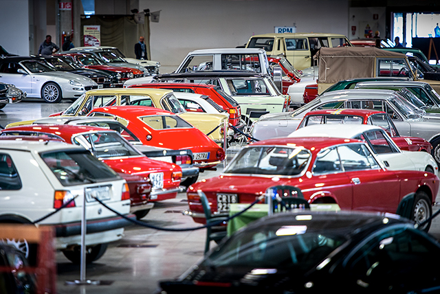 Un nuovo articolo sul Blog di Mercanteinfiera: Capolavori a quattro ruote. Il mondo del collezionismo automobilistico si ritrova a Mercanteinfiera. Parola a Pierre Novikoff